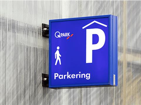 Q-Park parkering skilt p-hus