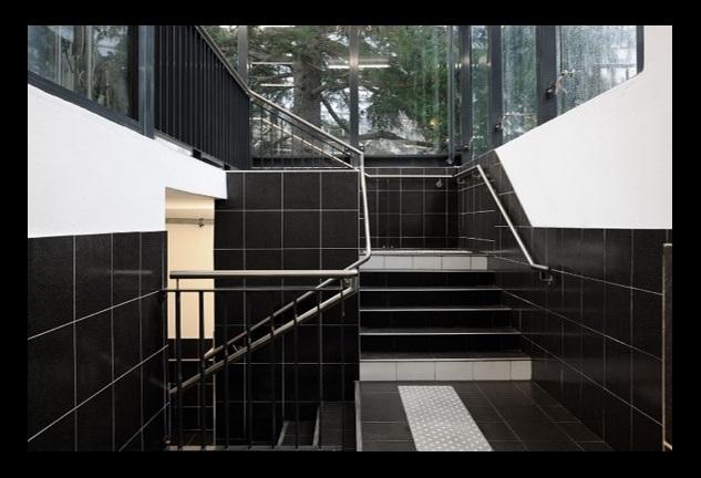 Q-Park République Chartres stairs